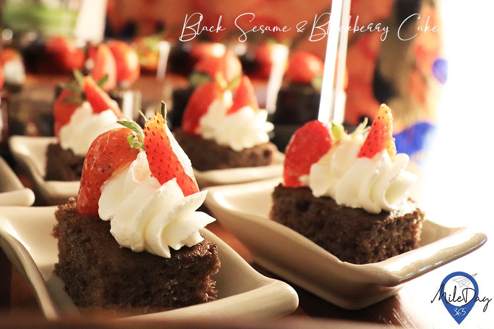 Black sesame & Blackberry cake