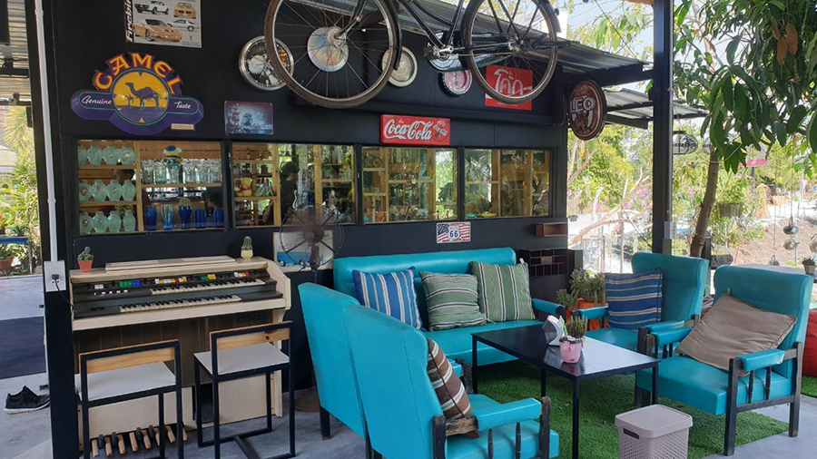 9 Karaboon Cafe'