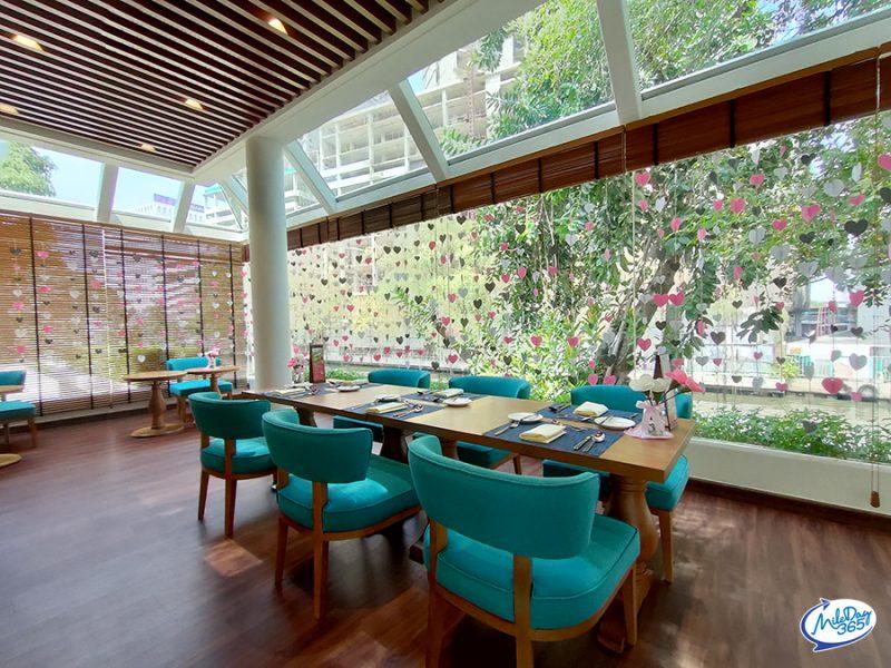 Rim Klong Cafe